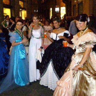 festeggiamenti in strada